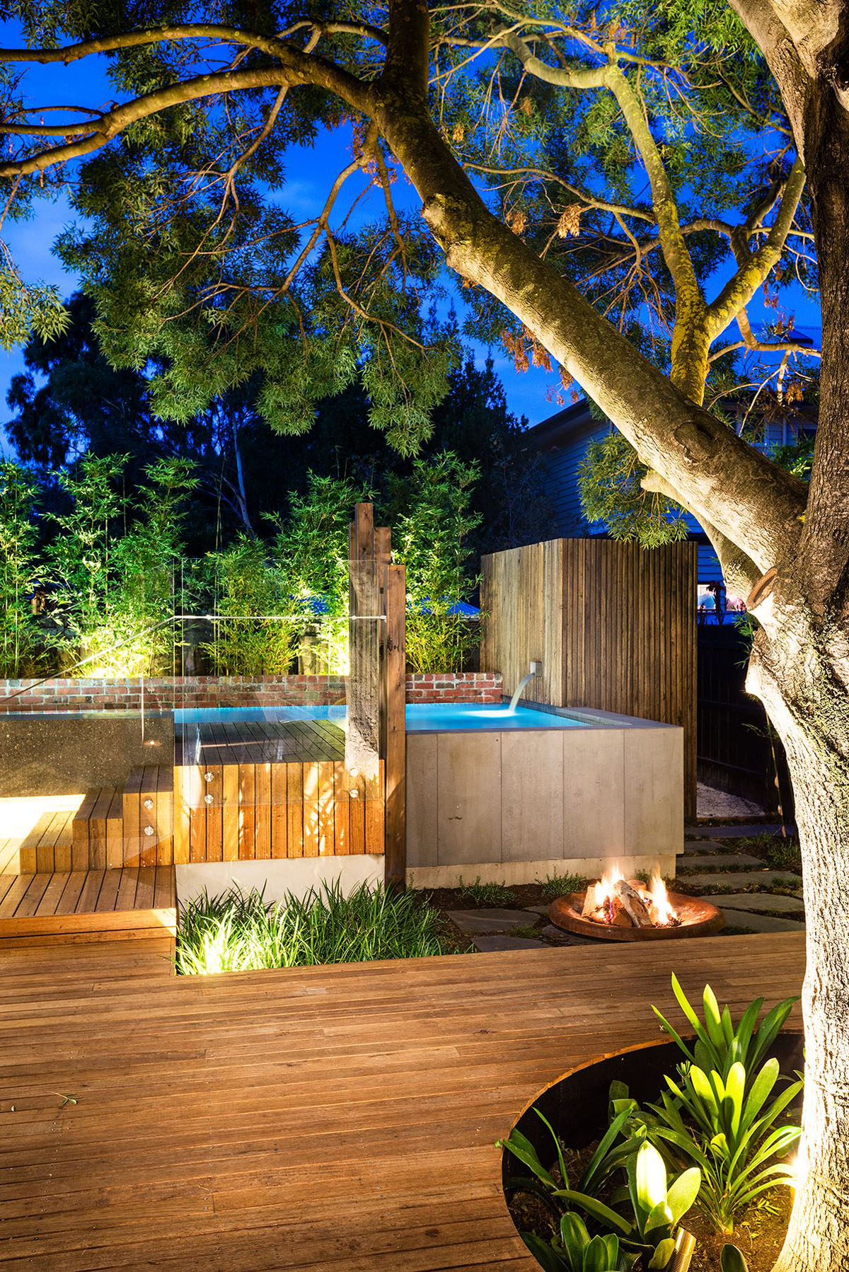 Inspiring modern backyard ideas to relax you at home for Garden pool pdf