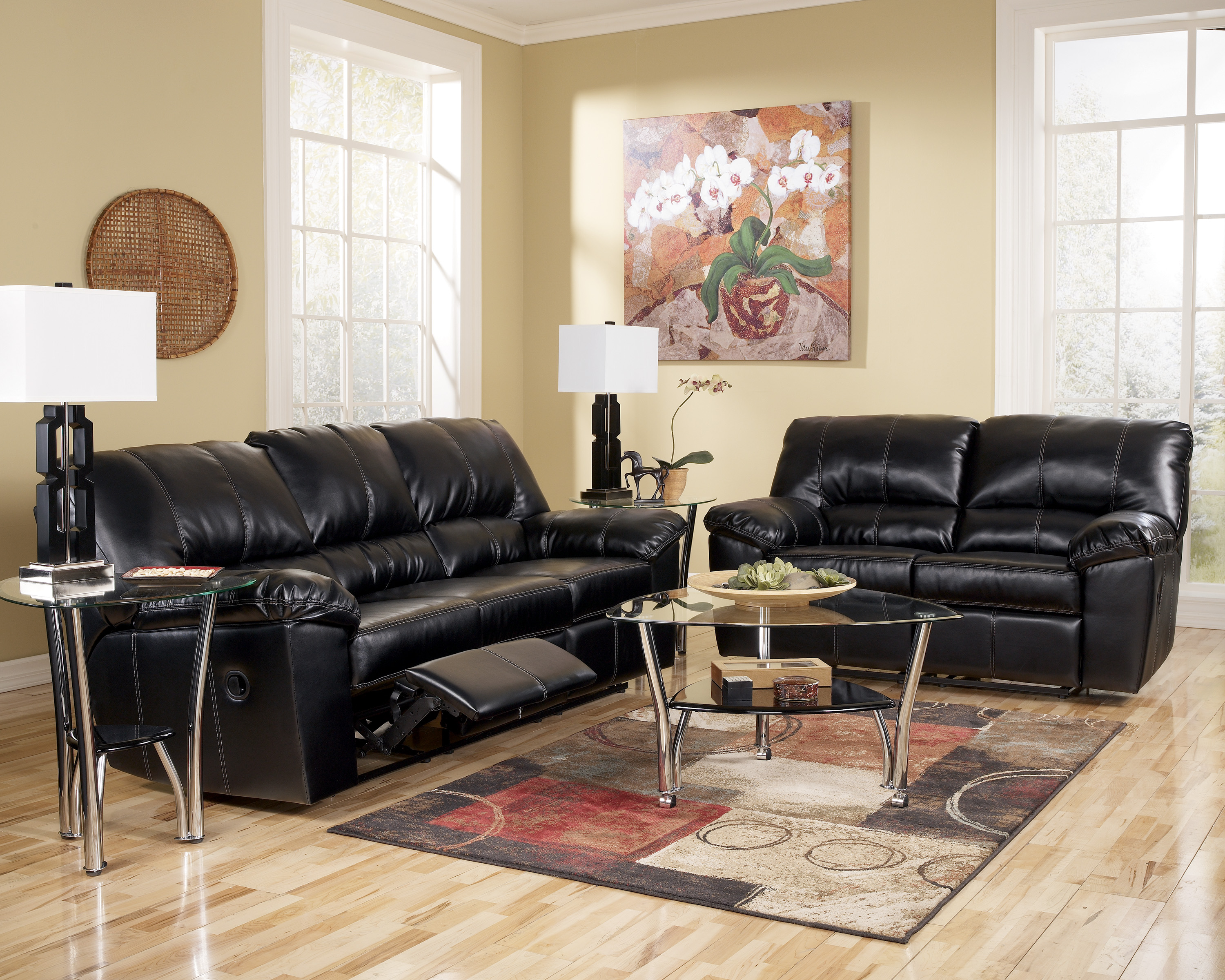Comfortable reclining sofa for resting tired body Reclining living room furniture
