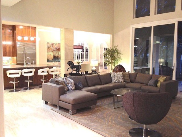 Glossy Leather Sectional Sofa In Contemporary Rooms