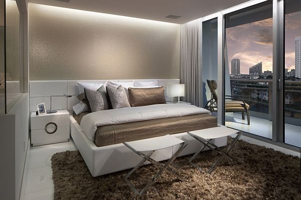 Elegant sleek bedroom designs in modern home style for Sleek home designs