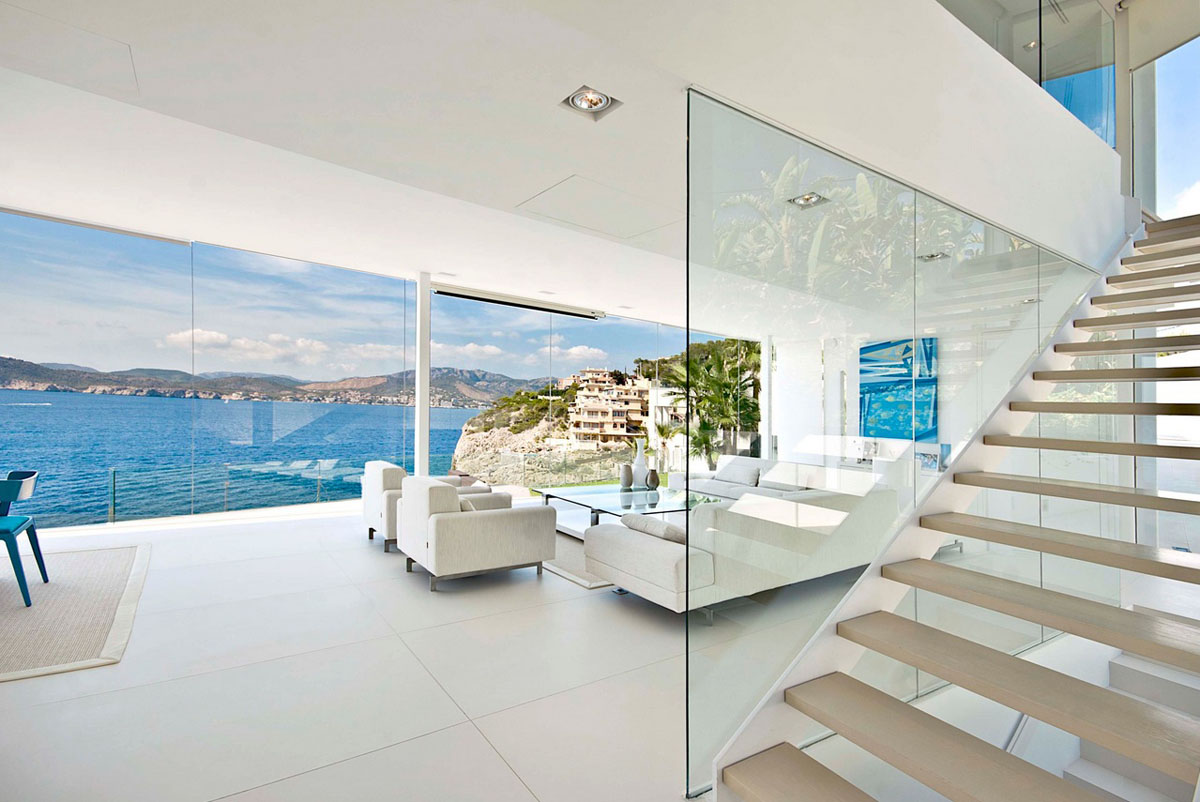 Cool Beach House With Waterfront View Of Mediterranean Sea