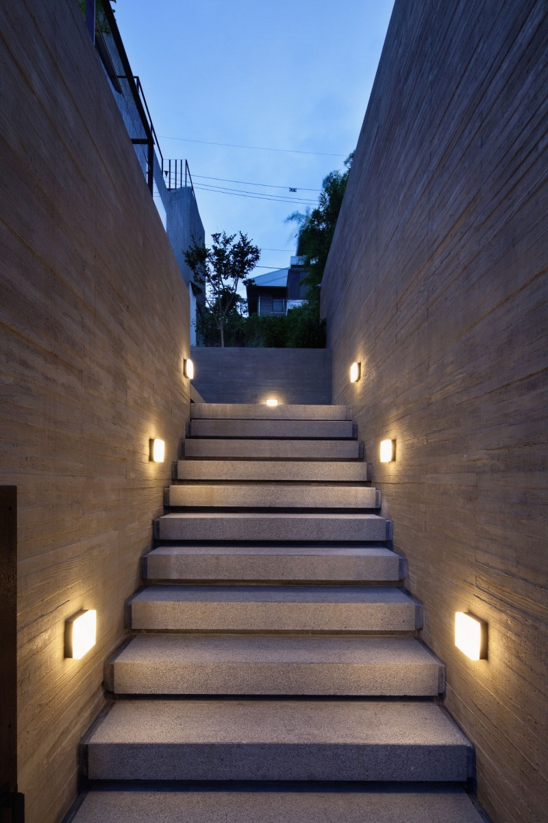 Lighting Basement Washroom Stairs: Amazing Modern Residence With A Commercial Compartment