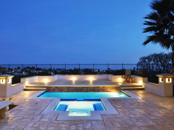 Unbelievable Modern Residence Design Bringing Any