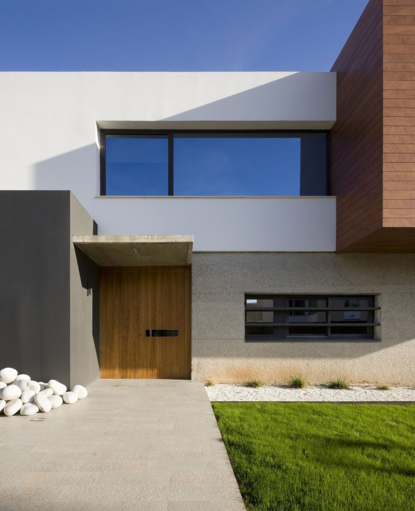 Harmoniously Chic Modern House Gives Happiness Housebeauty