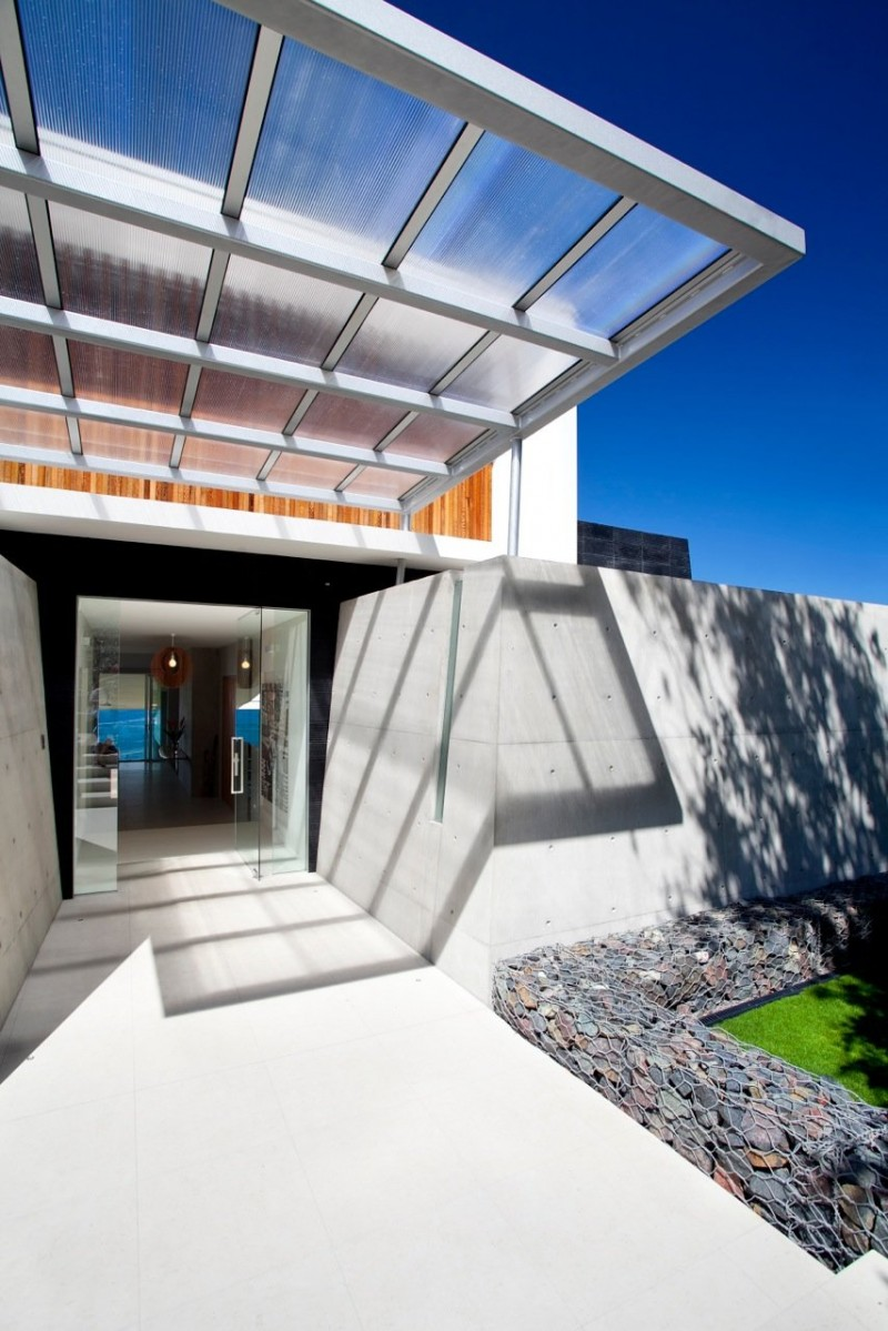 Amazing Modern Beach House Using Good Choice of the Exterior and ...