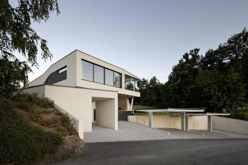 Eccentric Sleek House In Vast Open Landscape Housebeauty