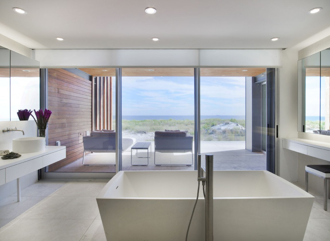 Fascinating beach house designs for spending your summer for Long island style