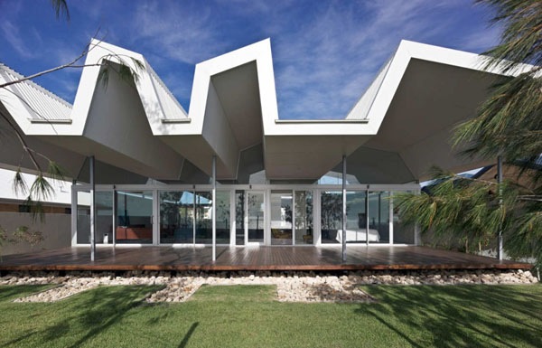 Attractive Unique Roofing Design Applied In An Australian