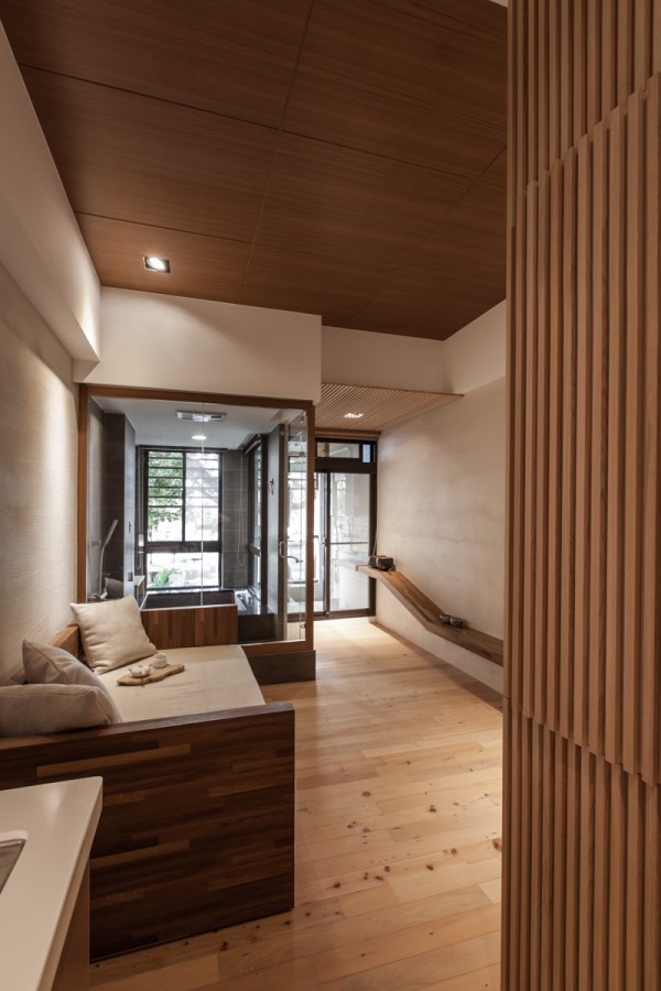 charming modern japanese house with wooden structure. Black Bedroom Furniture Sets. Home Design Ideas
