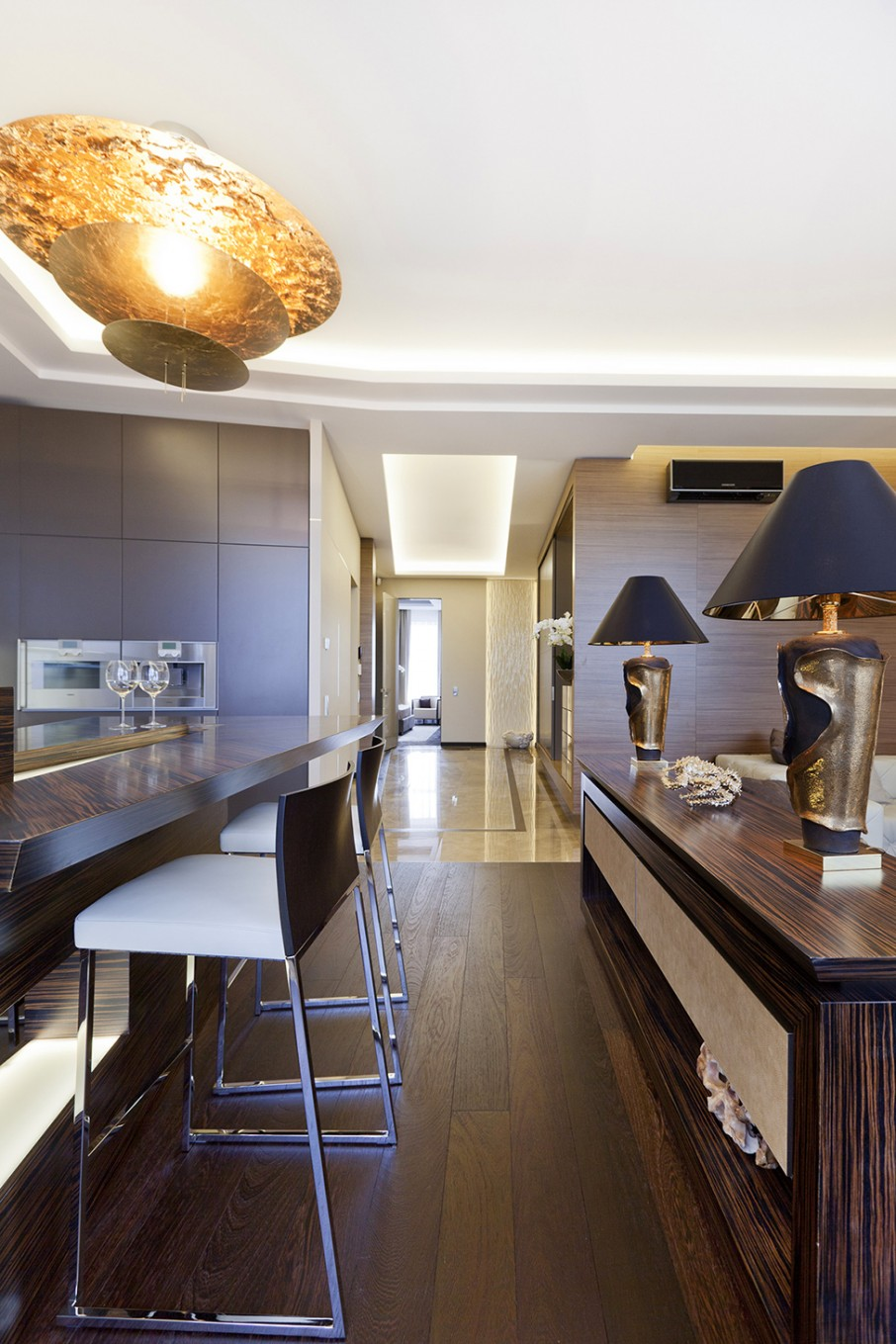 Bright Kitchen Interior Natural Nuance Extravagant Luxurious Interior Decoration Brings Warm And Cozy Nuance