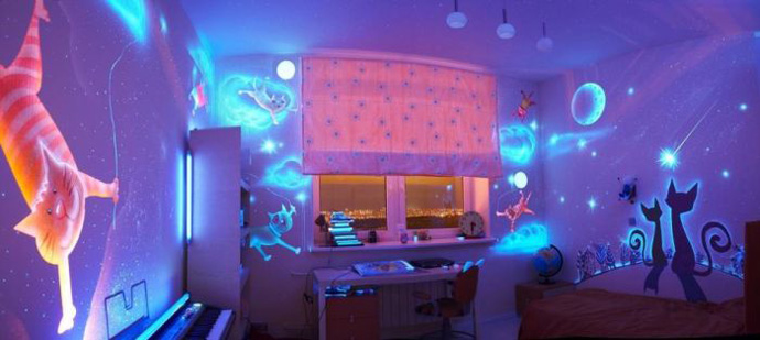 ... Stunning Bedroom Decor With Glow In The Dark Paint Housebeauty ...