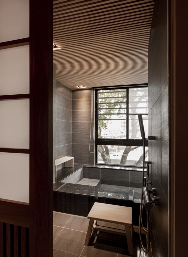 Charming modern japanese house with wooden structure for Bathroom design japanese style