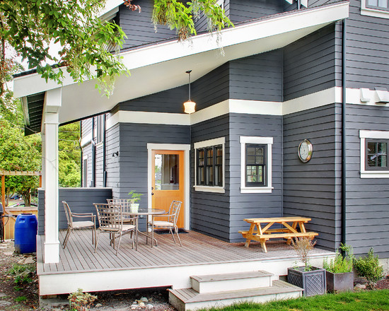 Captivating color a home exterior that endures for years housebeauty for Exterior paint for wood colours