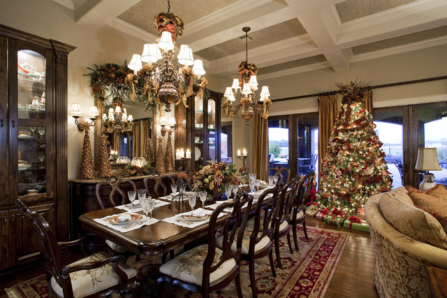 Simple White Themed Dining Room Design Ideas: Gorgeous Christmas Dinner Table Decorations With Luxurious