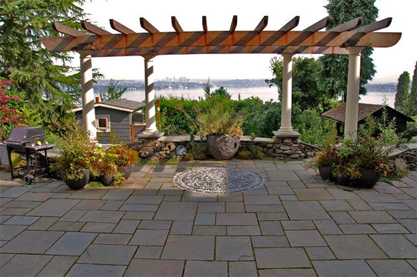 Exteriorscape Charming Courtyard