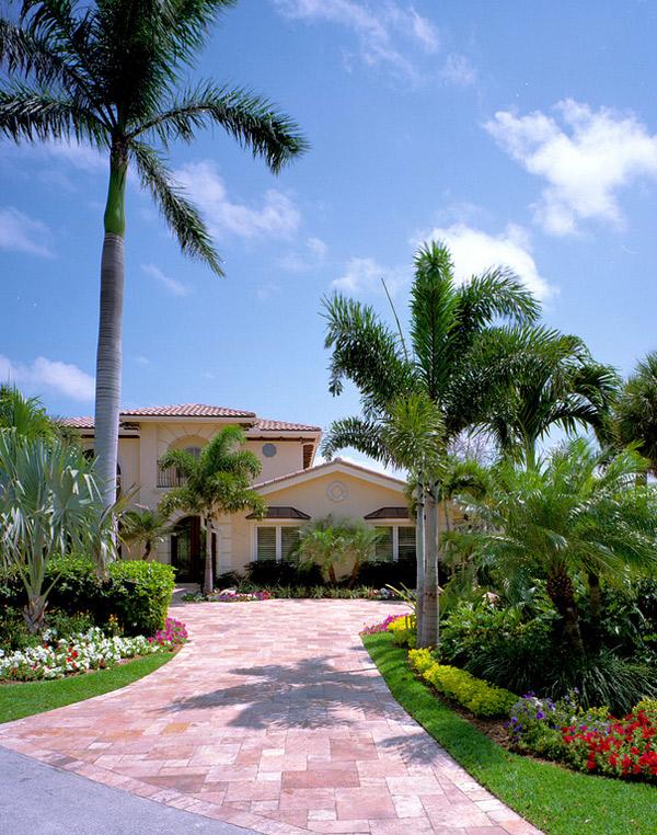 Fabulous Front Yard Garden