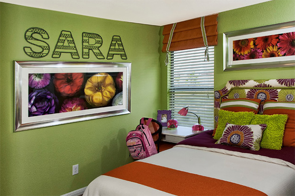 Green with the Beautiful Flower Paintings and Letter Bedroom