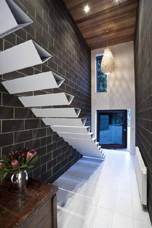 Incredible Triangular Floating Staircases