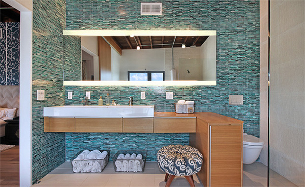 Innovative Tiled Bathroom Designs
