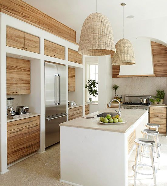 Smooth Texture Modern Kitchen Cabinet with Wood Finish