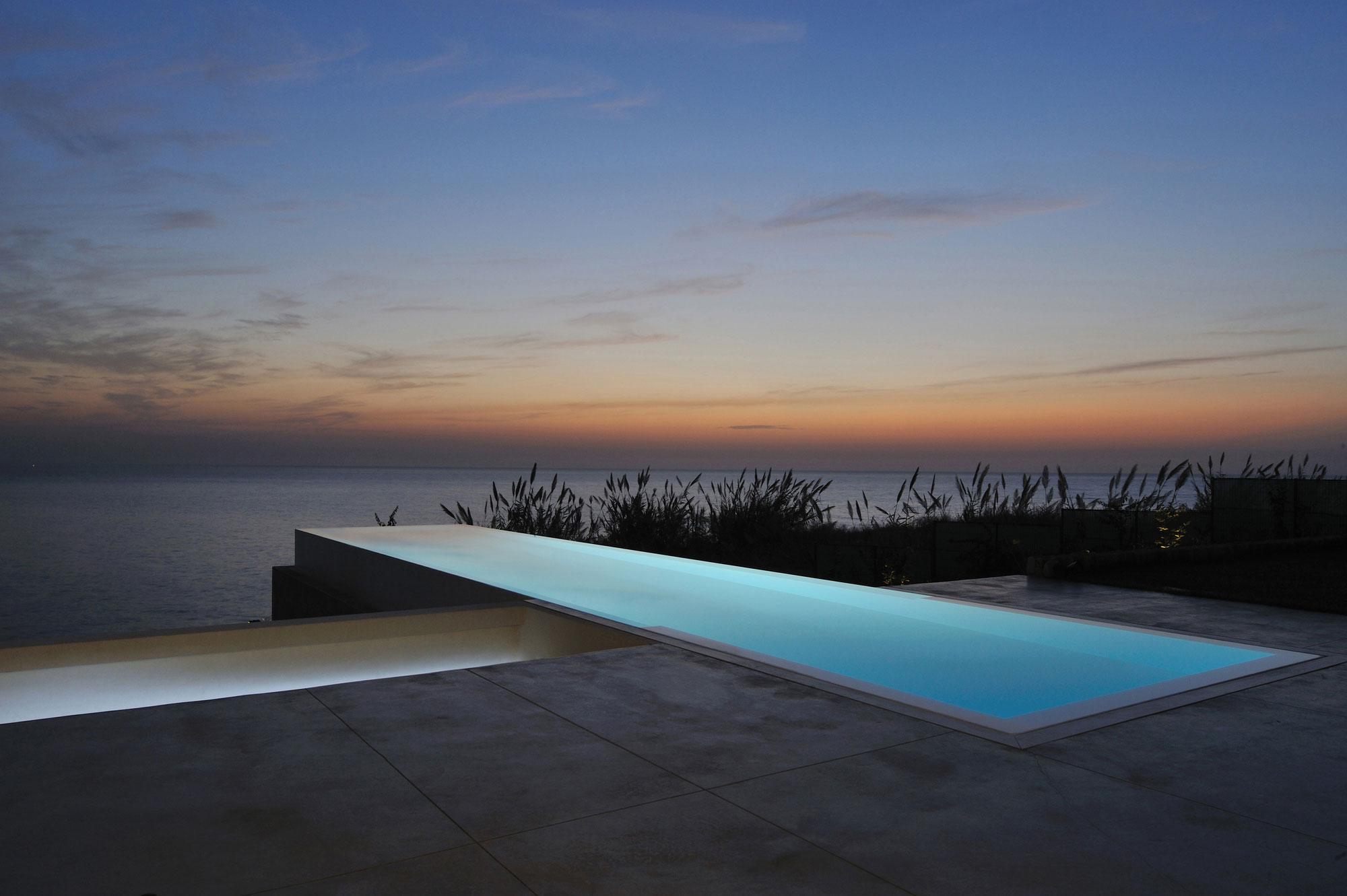 Futuristic Modern Beach House Called Fidar In Lebanon