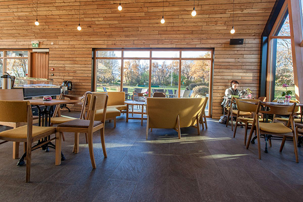 Cozy Coffee House Design For Extraordinary Experience Of Enjoying