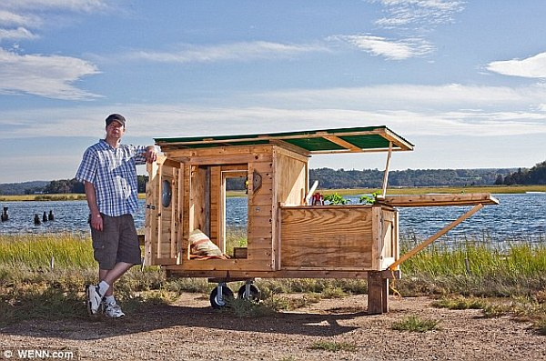 Creative Tiny House Designs You Can Make Using Scavenged