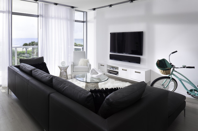 Bold Black Sofas Which Serves Exquisite Interior