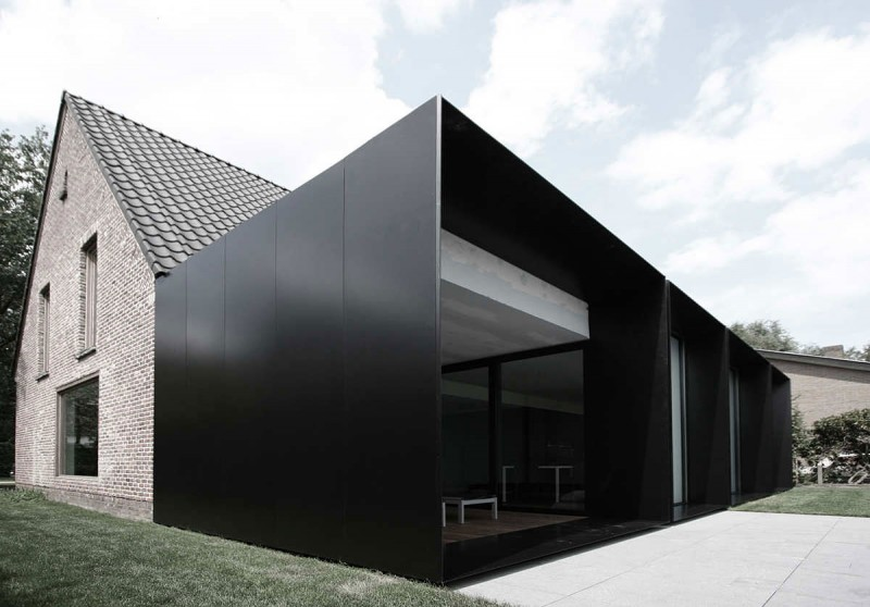 Admirable Renovated House With Square Extended Dwellings