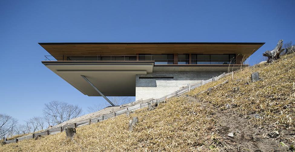 Wondrous Modern Architecture Serves Panoramic Landscape ...
