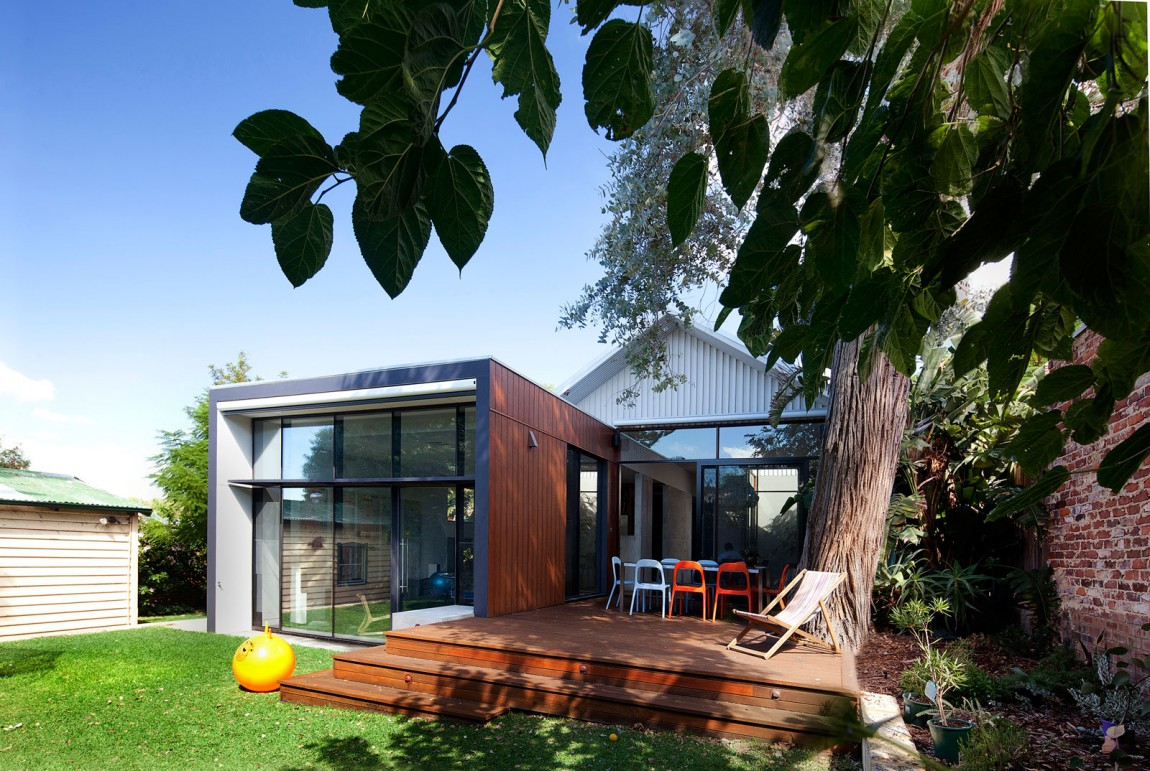 Old Australian House Transformed In Modern Building