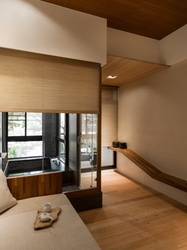 Charming Modern Japanese House With Wooden Structure