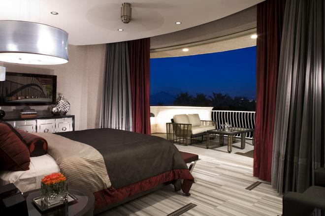 Contemporary Bedroom Deisgns with Beautiful Balcony