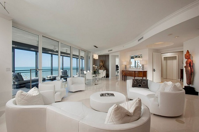 Large Living Room White Curved Sofa and Armchairs