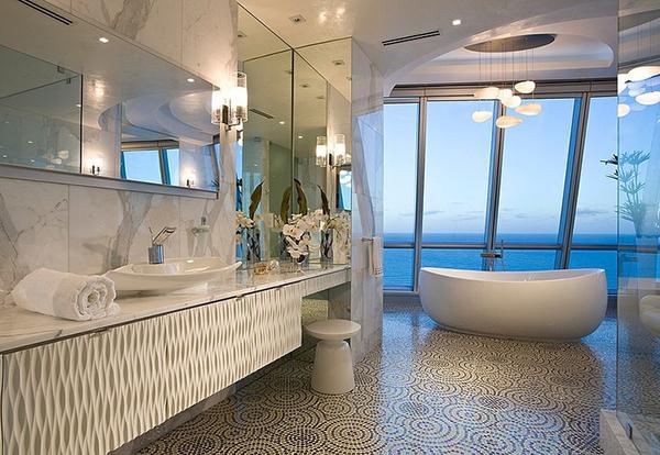 Mesmerizing Jade Ocean Penthouse Bathroom with Buthtub