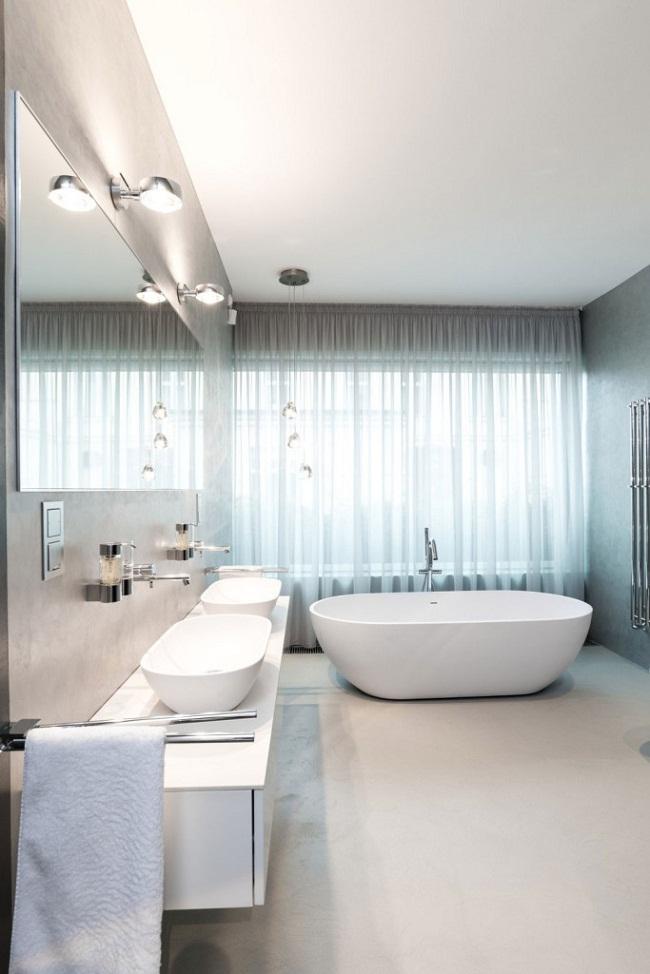 12 Lofts Bath Tub